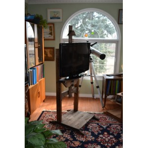 Early American Stain TV Stand Easel 3402